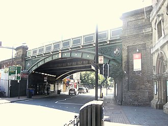 Battersea Park Road railway station - Battersea Park railway station bridge