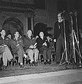 Bezoek Eisenhower aan Den Haag en Amsterda. Bijeenkomst in de Burgerzaal van het, Bestanddeelnr 900-8688.jpg
