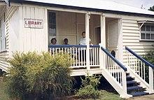 Blackbutt Library & Queensland Country Women's Association building.jpg