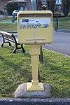 Boîte lettres Poste place Mairie St Cyr Menthon 3.jpg