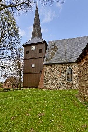 Bovenau - Image: Bovenau An der Kirche 7954