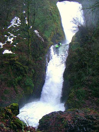 Bridal Veil Falls (Oregon) - A kayaker heading down Bridal Veil Falls