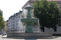 Brunnen am Professor-Huber-Platz Muenchen-15.jpg