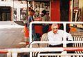 Budka z bratwurstami w Wiedniu, Karntnerstrasse, 1.5.2000r.jpg