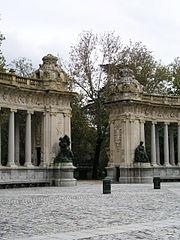 Buen Retiro Alfonso XII 13.jpg