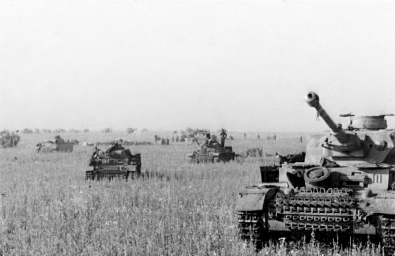 Bundesarchiv Bild 101III-Merz-014-12A, Russland, Beginn Unternehmen Zitadelle, Panzer