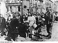 Bundesarchiv Bild 146-2005-0045, Warschauer Aufstand, Kapitulation.jpg