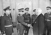 Bundesarchiv Bild 183-44786-0002, Empfang von NVA-Offizieren durch Wilhelm Pieck