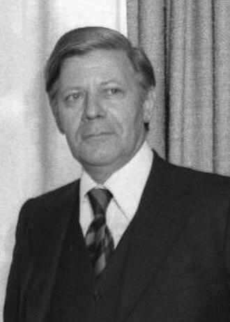1980 West German federal election - Image: Bundesarchiv Bild Helmut Schmidt 1975 cropped