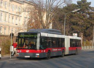 Wiener Linien - Image: Bus Wiener Linien Ng 273 8270
