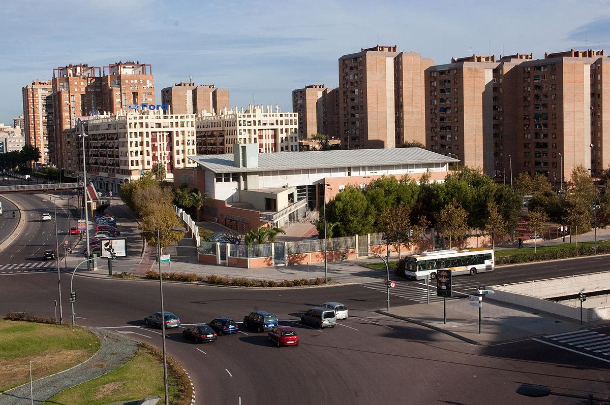 File Cipfp Ausiàs March Valencia Y Rotonda De Los Anzuelos Ams Vista Desde Hotel Holiday Inn Express Valencia Jpg Wikimedia Commons
