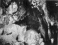 COLLECTIE TROPENMUSEUM De grot van Boea in de Padangse Bovenlanden Sumatra`s Westkust TMnr 60003553.jpg