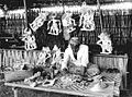 COLLECTIE TROPENMUSEUM Een maker van wajang kulit poppen aan het werk TMnr 60018020.jpg