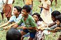 COLLECTIE TROPENMUSEUM Kinderen tijdens touwtrekwedstrijden in Ullath TMnr 20018287.jpg