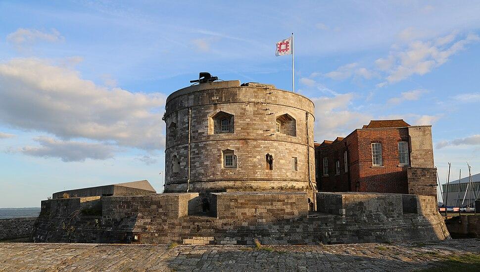 Calshot castle evening