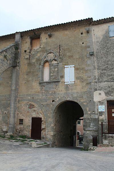 Capestang (Hérault) - Château des archevêques de Narbonne, façade intérieure