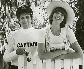 Tennille and Dragon in 1976 Captain and tennille 1976.jpg