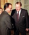 Carlos Menem and Martti Ahtisaari.jpg