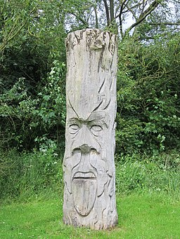 Carved wooden face, Rivacre Valley Country Park