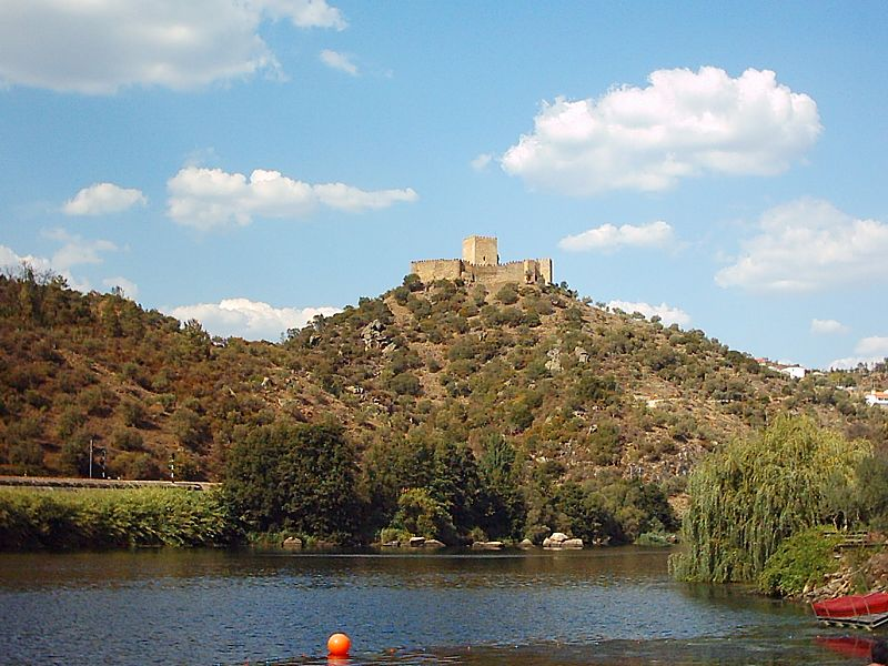 Imagem:Castelo de Belver.JPG