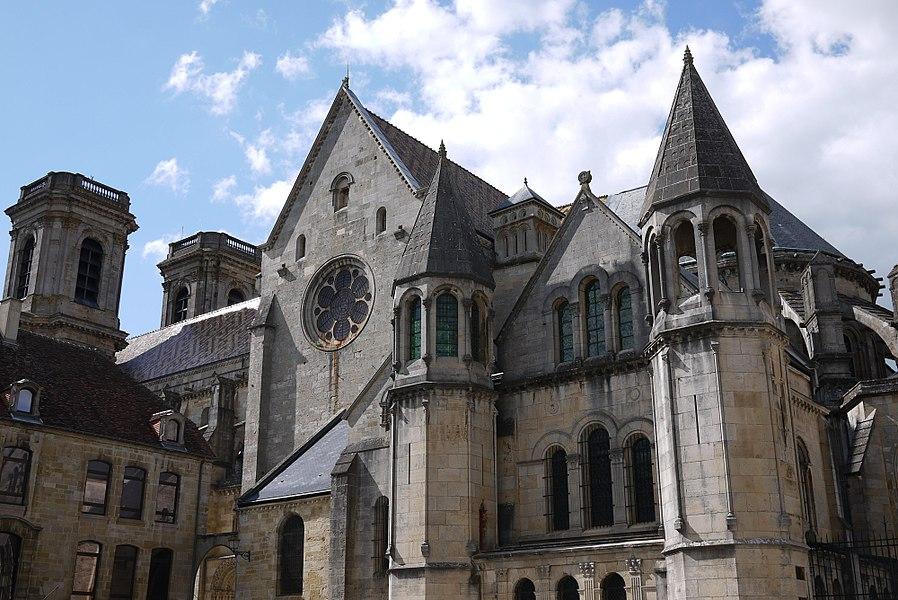 Cathédrale Saint-Mammès de Langres. Chevet.