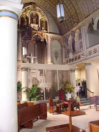 Hawaiian architecture - Interior of the cathedral of Our Lady of Peace
