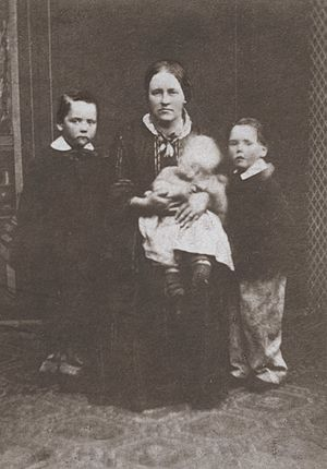 Mimosa (ship) - Catherine Davies and her children, who emigrated to Patagonia on Mimosa