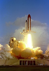 Challenger launch on STS-7.jpg