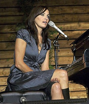 Chantal Kreviazuk talks to the audience in bet...