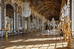 English: Galerie des Glaces (Hall of Mirrors) ...