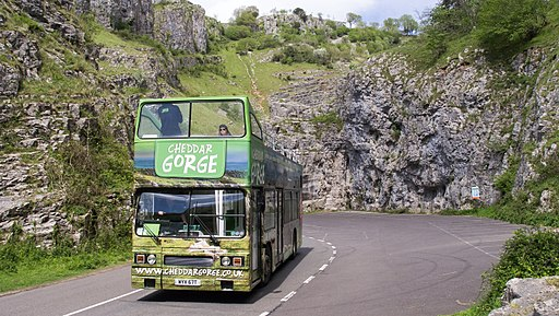 Cheddar Gorge tour bus (WYV 67T), 12 May 2015 (4)