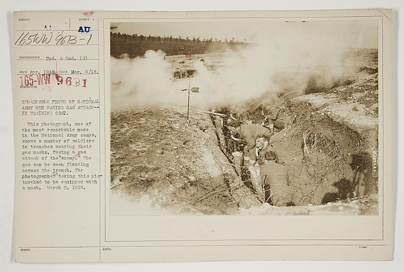 File:Chemical Warfare Service - Drills With Clouds of Smoke- United States - Remarkable photo of National Army men facing gas attack--in training camp - NARA - 26423800.jpg