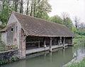 Chevry-sous-Le Bignon, le lavoir d'origine.jpg