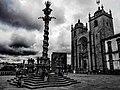 Cielo nuvoloso sulla cattedrale di Porto. Ph Ivan Stesso.jpg