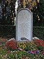 Cimetière parisien de Saint-Ouen, monument du carré militaire.JPG