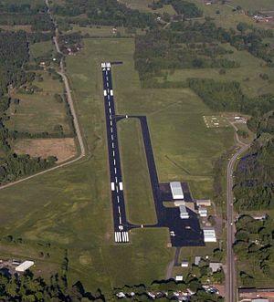 Clarksville Municipal Airport - Image: Clarksville H35