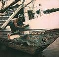 Collectie NMvWereldculturen, TM-10035700, Dia, 'Twee mannen aan boord van een Madurese prauw', fotograaf onbekend, 1932-1940.jpg