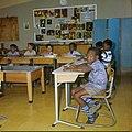 Collectie Nationaal Museum van Wereldculturen TM-20029644 Klaslokaal in een school voor bijzonder lager onderwijs Aruba Boy Lawson (Fotograaf).jpg