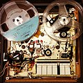 Concord Stereophonic 440 tape recorder, top plate removed (16679640057).jpg