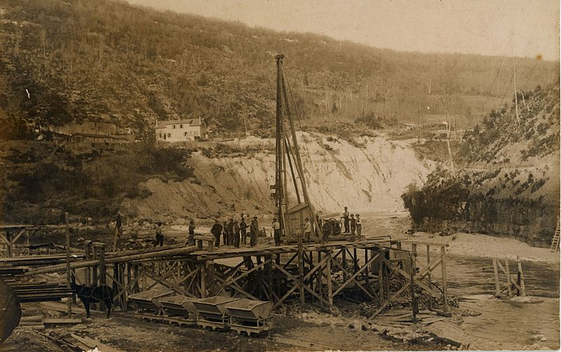 File:Construction du barrage de Vaucluse.jpg