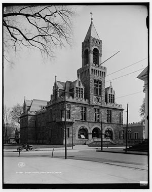 Hampden County Courthouse - The courthouse as it appeared in 1908, before its renovation and removal of the dormers
