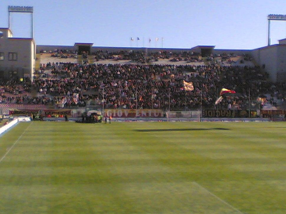 Curva sud contro il Torino--2007