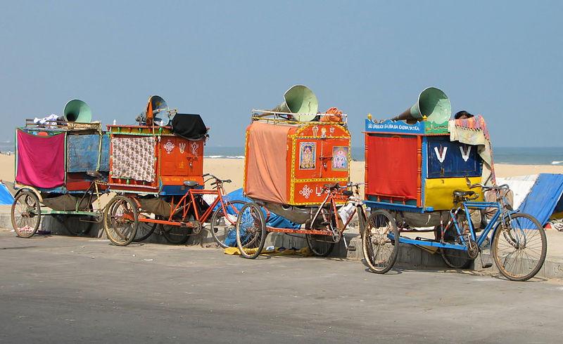 Les véhicules Rickshaw ou tricycles 800px-Cycle_rickshaws