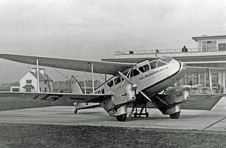 De Havilland Dragon Rapide - Dragon Rapide of Isle of Man Air Services on a scheduled service at Manchester (Ringway) Airport in 1938