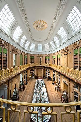 Teylers Museum - Oval Room (1784) in Teylers Museum