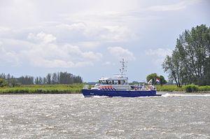 De P93 in de opvaart op de Beneden Merwede (02).JPG