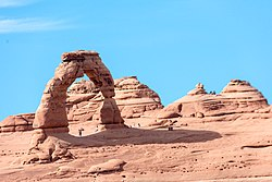 Delicate Arch - Arches National Park (28744386992).jpg