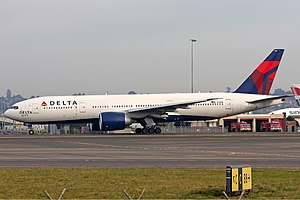 Delta Boeing 777-232LR SYD Gilbert-1.jpg
