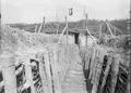 Der Laufgraben zum Blockhaus - CH-BAR - 3241882.tif