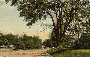 Grand Boulevard (Detroit) - A view of West Grand Boulevard circa 1913